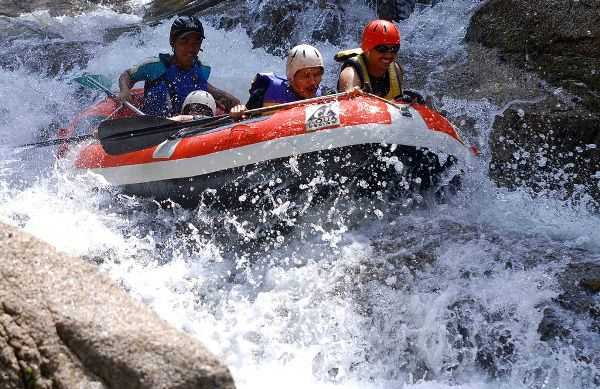 White water rafting Sungai Sedim.
