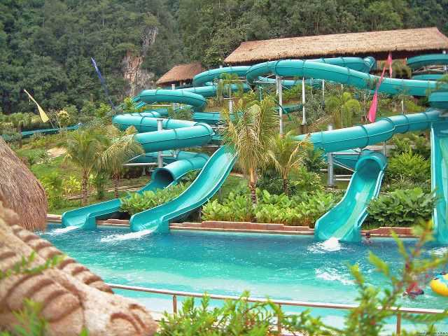 Tube riders di Lost World of Tambun.