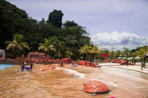 Waterpark Bukit Merah Laketown Resort