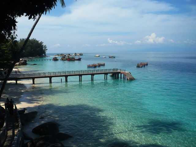 Pantai Dan Air Laut Jernih Di U Perhentian Besar Terengganu